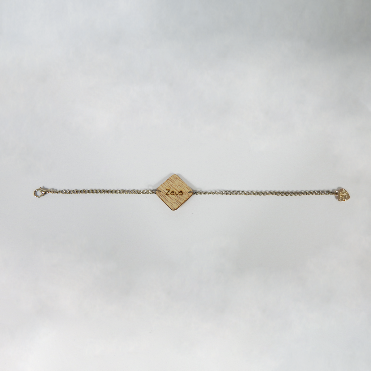 Braccialetto con ciondolo in legno, disegno e nome personalizzabile